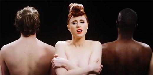 Kiesza nazpívala pomalou verzi písně What Is Love, která je známá z filmu Noc v Roxbury