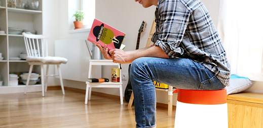 Italská reklama na nábytek IKEA: Chlapci, sešoupněte postele