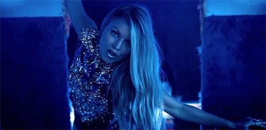 Fergie vyjíždí na cestu svým party busem v klipu L.A.LOVE (la la)