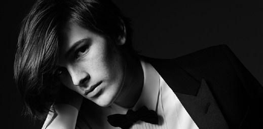 Syn Pierse Brosnana, Dylan, se stal tváří nové kolekce Saint Laurent
