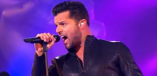 Gay zpěvák Ricky Martin představil svou letní hitovku Come With Me