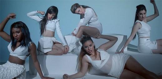 Fifth Harmony vás okouzlí svým půvabem v klipu Sledgehammer
