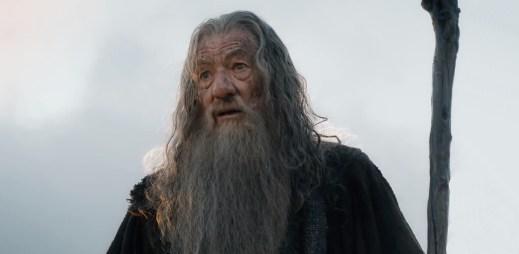 Ian McKellen, představitel Gandalfa, je gay. Nikdy prý nepotkal homosexuála, který by litoval coming outu