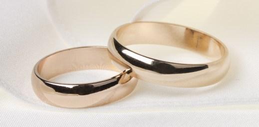 Finsko: Od registrovaného partnerství k plnohodnotným gay svatbám