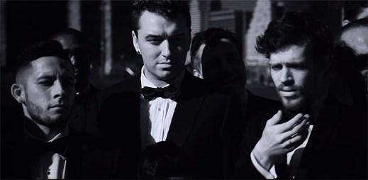 Gay zpěvák Sam Smith je zamilovaný do svého kamaráda v klipu Like I Can