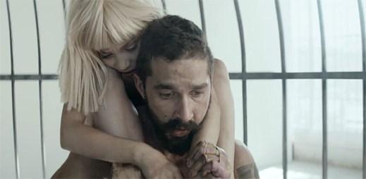 Sia v klipu Elastic Heart plného emocí vrací zpět nadanou tanečnici Maddie Ziegler