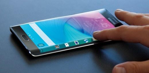 Samsung Galaxy Note Edge se zakřiveným displejem jde do prodeje