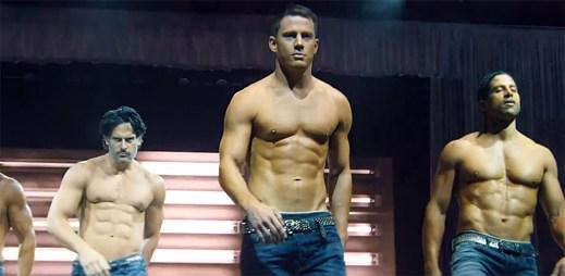 Film Bez kalhot XXL: přehlídka namakaných sexy chlapů