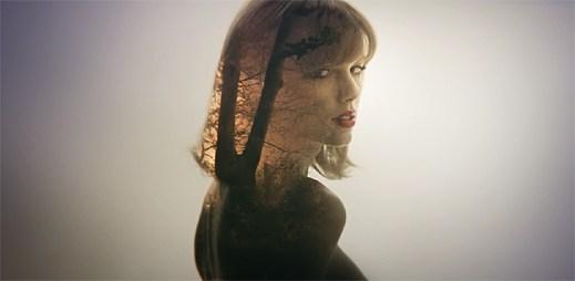 Taylor Swift pronásledují vzpomínky na bývalého přítele Harryho Stylese v klipu Style