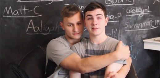 17letý youtuber Austin Wallis byl vyloučen ze školy za to, že je gay