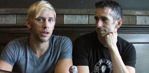 Zachránci LGBT životů a bojovníci proti šikaně: Dan Savage a It Gets Better Project