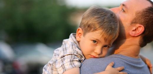 Politikům se do schválení adopce dětí homosexuálními páry zatím nechce. Zachrání nás Ústavní soud?
