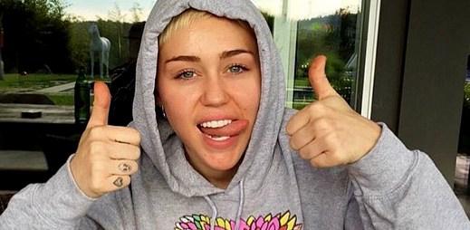Miley Cyrus pomáhá LGBT lidem bez domova nově založenou organizací Happy Hippie Foundation
