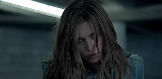 Elliphant: Nečekaný zvrat lásky v klipu Love Me Badder