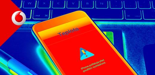 Vodafone není žádný suchar. Varuje, aby se vám na Prague Pride nepřehřál mobil
