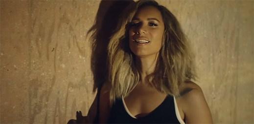 Leona Lewis se v klipu Thunder vrhá do propasti kvůli nalezení svobody