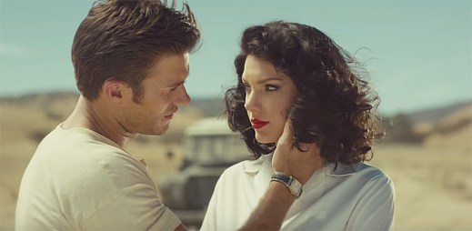 Taylor Swift a sexy herec Scott Eastwood mají románek při natáčení romantického filmu v klipu Wildest Dreams