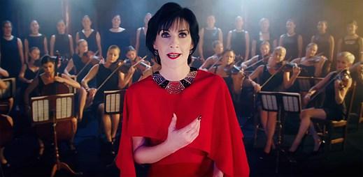 Éterická Enya se po sedmi letech vrací v novém klipu So I Could Find My Way