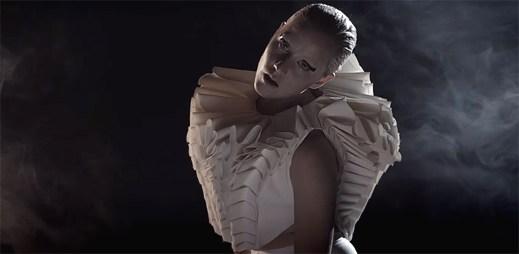 Vanbot řeší kontrast mezi sílou a zranitelností v klipu The Way You Say It