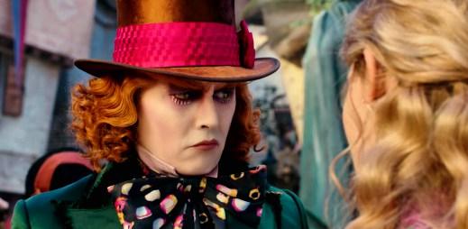 Film Alenka v říši divů: Za zrcadlem přináší napětí, boj s časem a hvězdného Johnny Deppa