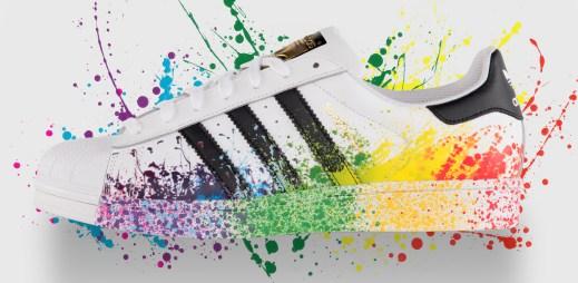 Adidas představil limitovanou edici bot pro gaye! Jsou na nich cákance v barvách duhy