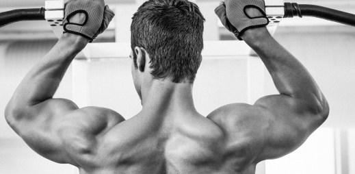 Průzkum: Do fitness center chodí čím dál víc lidí