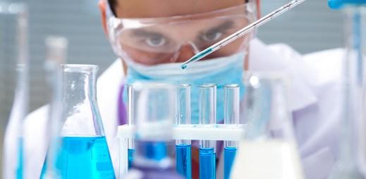 Vědci hlásí úspěch: Novou metodou poprvé vyléčili člověka s HIV!