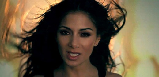 Nicole Scherzinger s klipem Don't Hold Your Breath