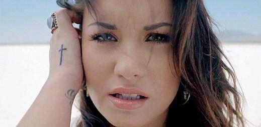 Demi Lovato: emocionální klip Skyscraper