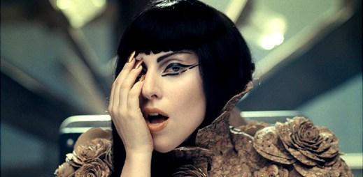 Podívejte se na uniklé fotky z klipu Yoü And I od Lady Gaga