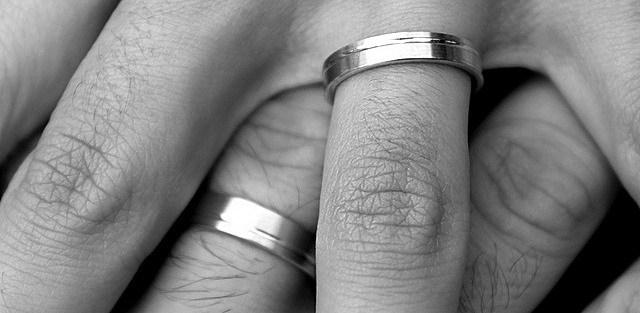 Modré z neba: svatba dvou gayů, aneb další splněný sen