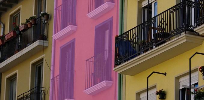 Španělsko: Moclinejo chce být prvním gay městem, bude růžové