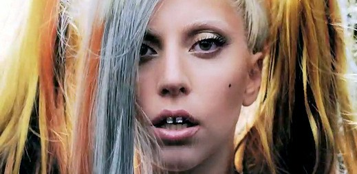 Lady Gaga natočila mini film pro módní přehlídku Muglera