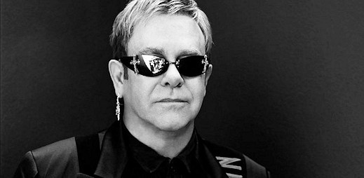 Elton John: Práva gayů nevznikly mávnutím kouzelného proutku