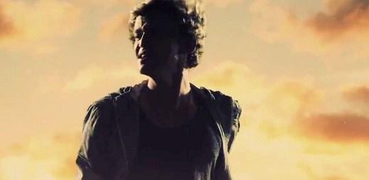Cody Simpson se loučí s láskou v novém klipu Not Just You