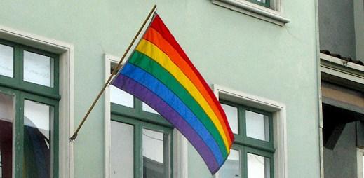 Kamerun odsoudil tři gaye za pohlavní styk, dostali pět let
