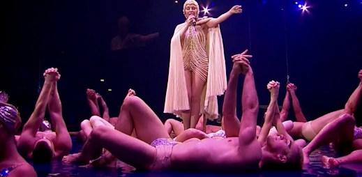 "Kylie Minogue vydává DVD ""Les Folies"", podívejte se na videa"