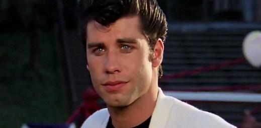 Je John Travolta opravdu gay?
