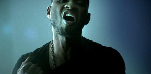 Použije Usher svoji zbraň? Akce a romantika v novém klipu Climax