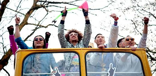 Far East Movement s pořádnou party v klipu Live My Life