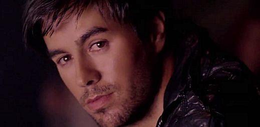 Sexy Enrique Iglesias a Dev natočili videoklip Naked