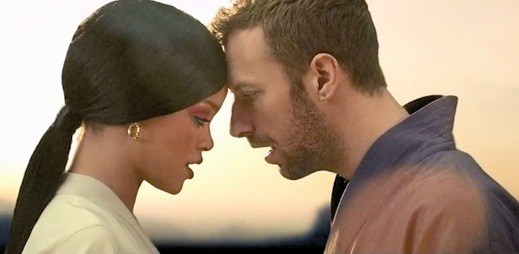 Vůně Číny: Coldplay a Rihanna v novém klipu Princess Of China