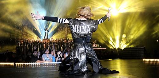 Madonna vzdala hold mladým gayům, kteří spáchali sebevraždu