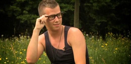 Podívejte se, jak mladý gay Jakub Reithmaier vkročil na Farmu