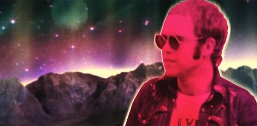 Elton John vs Pnau: Nový styl hudby a retro pohled v klipu Sad