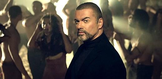 George Michael tančí v klipu White Light mezi polonahými muži