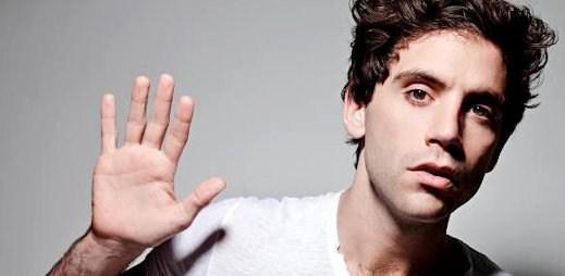 Zpěvák Mika: Pokud se mě ptáte, jestli jsem gay, říkám ano