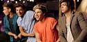 One Direction si užívají s partou přátel v Live While We're Young