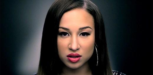 Melanie Amaro hledá sílu a pravou lásku v klipu Don't Fail Me Now