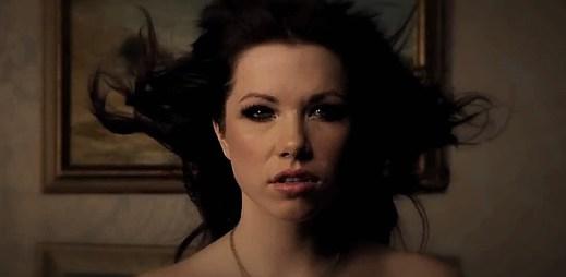 Carly Rae Jepsen: Klip, který je až moc sexy a neměl být vydán